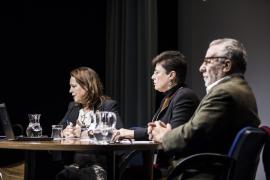 Paz Fernández, Astrid Ruiz-Ramón y  Luciano García Lorenzo.  Acto homenaje al profesor Francisco Ruiz Ramón, 2017
