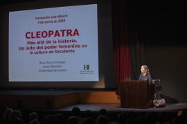 Rosa María Cid. Más que reinas: Cleopatra Cleopatra, más allá de la historia. Un mito del poder femenino en lacultura de Occidente., 2020