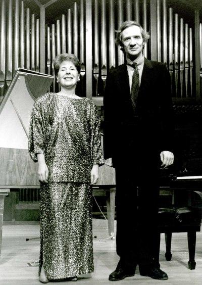 María Teresa Chenlo y Volker Banfield. Concierto Ligeti: integral de su obra para piano y clave