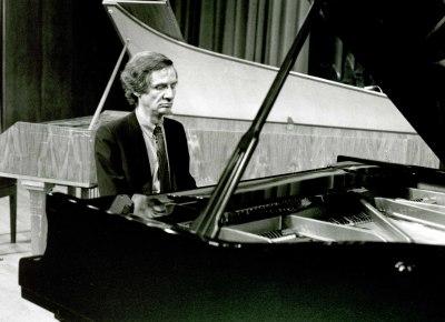 Volker Banfield. Concierto Ligeti: integral de su obra para piano y clave
