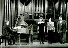 Concierto Tonadillas Escénicas del Siglo XVIII a cargo del grupo El Árbol de Diana con motivo de la Exposición Goya grabador , 1994