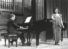 María Aragón y Fernando Turina. Concierto Canciones de amor , 1994