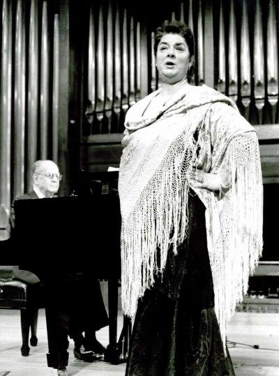Charo Palomino y Julián Parera. Recital de canto y piano