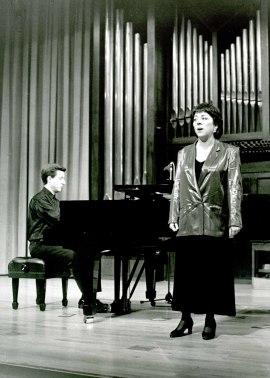 María Villa de la Torre y Gerardo López Laguna. Concierto Canciones de amor , 1994