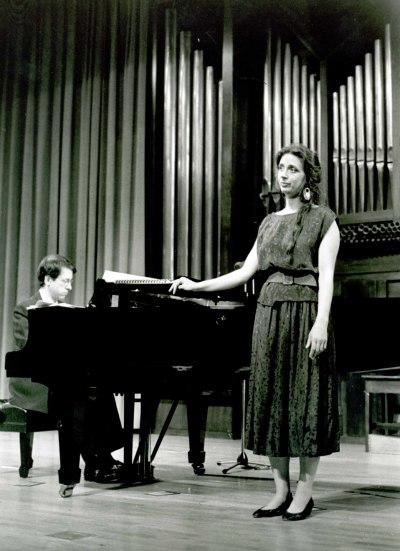 Elena Montaña y Xavier Pares. Recital de canto y piano