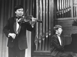 Thuan Do Minh y Graham Jackson. Concierto Alrededor de la viola , 1995