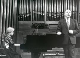 Ana Guijarro y Manuel Cid. Concierto Música para tres poetas , 1995