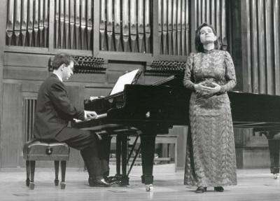 Margarita Buendía Rius y Xavier Pares. Recital de canto y piano