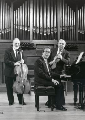 Víctor Martín, Agustín Serrano y Pedro Corostola. Concierto Gaspar Cassadó: música de cámara , 1996