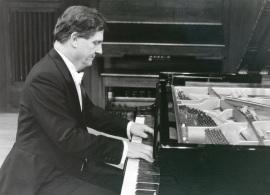 Joan Moll. Concierto Valses y mazurcas para piano , 1996