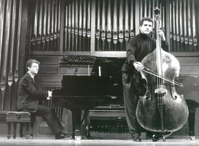 Antonio García Araque y Ángel Gago Bádenas. Concierto Alrededor del contrabajo