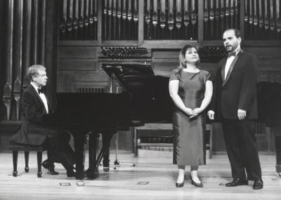 Rogelio R. Gavilanes, Conceiçao Galante y Nuno Vilallonga. Recital de canto y piano
