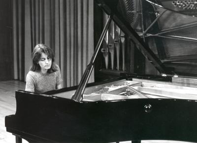 Marta Maribona. Concierto Piano: sonatas neoclásicas