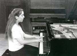 Miriam Gómez-Morán. Recital de piano, 1997