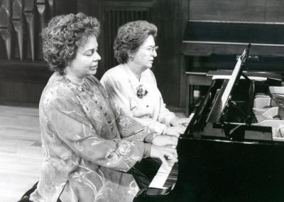 Pepita Cervera y Teresina Jordá. Concierto Piano a cuatro manos