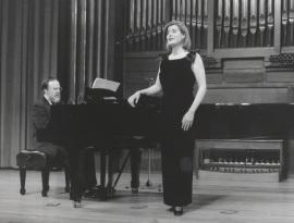 Elena Gragera y Antón Cardó. Concierto Integral para voz y piano de Roberto Gerhard , 1998