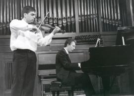 Víctor Correa-Cruz-Cruz y Julio Muñoz. Recitales para Jóvenes, 1998