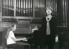 Miriam Gómez-Morán y Raquel García Fernández. Recital de canto y piano , 1998