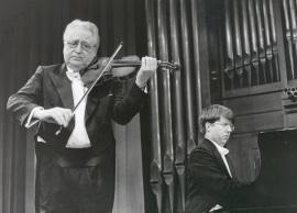 Agustín León Ara y Graham Jackson. Concierto Violín del este , 1999