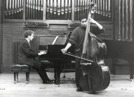 Gabriel León y Ángel Gago Bádenas. Concierto La Paz y la Guerra en el arte y la música del s. XX , 1999
