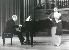 Aurora Serna y Félix Lavilla. Recital de canto y piano , 1999
