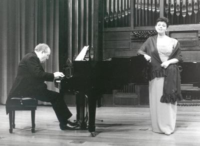 Aurora Serna y Félix Lavilla. Recital de canto y piano