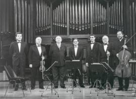 Carmelo Bernaola y LIM (Laboratorio de Interpretación Musical). Concierto Homenaje a Carmelo A. Bernaola - Aula de (Re)estrenos (37) , 1999