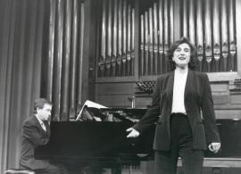 María Aragón y Fernando Turina. Concierto La voz en el siglo XX , 2000