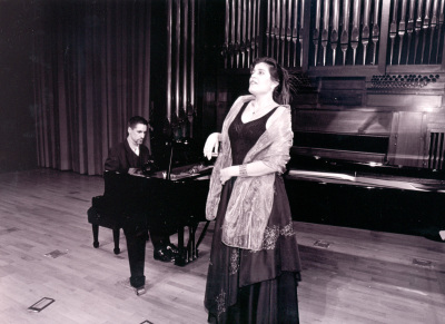 Ana Häsler y Aurelio Viribay. Recital de canto y piano