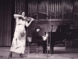 Antonia Pons-Estel y Juan Carlos Garvayo. Recital de violín y piano , 2000