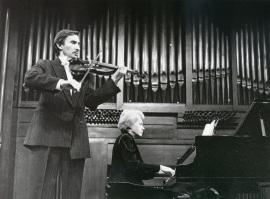 Rafael Khismatulin y Natalia Maslennikova. Recitales para Jóvenes, 2000
