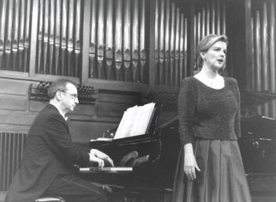 Carmen Arbizu y Alejandro Zabala. Concierto Recordando a Tomás Garbizu (1901-1989) - Cuatro centenarios (1901-2001)