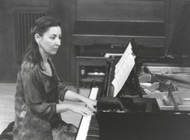 Ana Vega Toscano. Concierto Recordando a Arturo Dúo Vital (1901-1964) - Cuatro centenarios (1901-2001) , 2001
