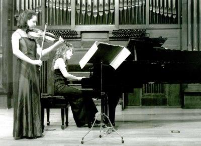 Marta Vélez Pérez y Cristina Oliver. Recital de violín y piano