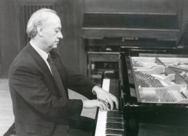 Julián López Gimeno. Concierto Las sonatas para piano de Beethoven , 2002