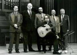 Gabriel Estarellas, Juan Manuel Ruiz, Tomás Marco, Carlos Cruz de Castro, Claudio Prieto y Agustín Bertomeu. Concierto Estreno de Seis Rapsodias para guitarra - Aula de (Re)estrenos (42) , 2002