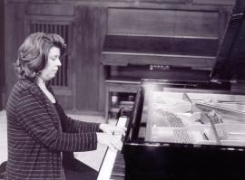 Carmen Deleito. Concierto Las sonatas para piano de Beethoven, 2002