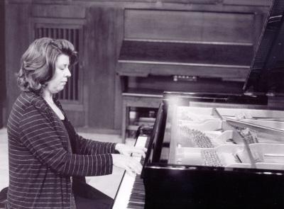 Carmen Deleito. Concierto Las sonatas para piano de Beethoven