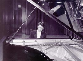 Eleuterio Domínguez. Concierto Las sonatas para piano de Beethoven , 2002