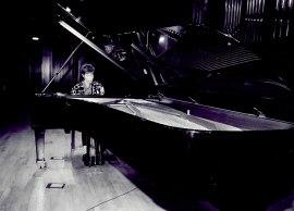 María Jesús Garzón. Concierto Variaciones para piano , 2002
