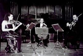 Ana Francisca Comesaña, Manuel Román, Ángel García Jerman y Kennedy Moretti. Concierto Schumann-Brahms: cuartetos y quintetos con piano , 2002