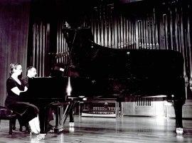Carlos Lama y Sofía Cabruja. Recital de piano a cuatro manos , 2002