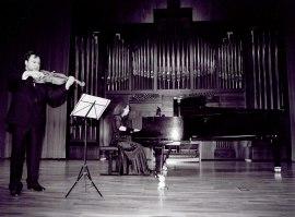 Carlos Luis Barriga y Marleen van de Zande. Recital de viola y piano , 2002
