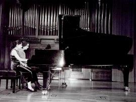 Carmen Santos Requena y Alicia Santos Requena. Recital de piano a cuatro manos , 2003