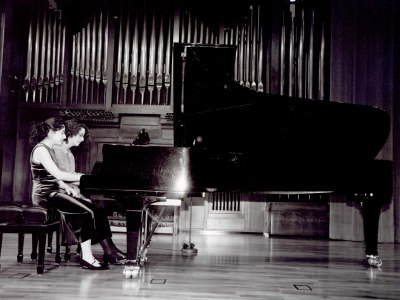 Carmen Santos Requena y Alicia Santos Requena. Recital de piano a cuatro manos