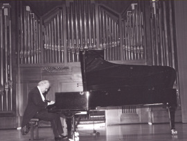 Guillermo González. Concierto Fantasías para piano , 2003