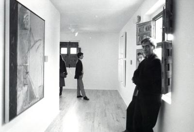 Mario Vargas Llosa en su visita al Museo de Arte Abstracto Español