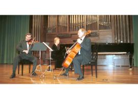 Rafael Khismatulin, Paul Friedhoff, Natalia Maslennikova y Trío Bellas Artes. Concierto Dvorák en su centenario , 2004