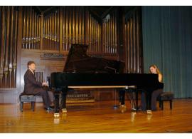 Albert Nieto y Virtudes Narejos. Concierto Cinco siglos de danzas , 2004