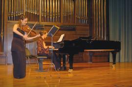 Rocío Gómez Plaza y Amalia Zipitria. Recital de viola y piano , 2004